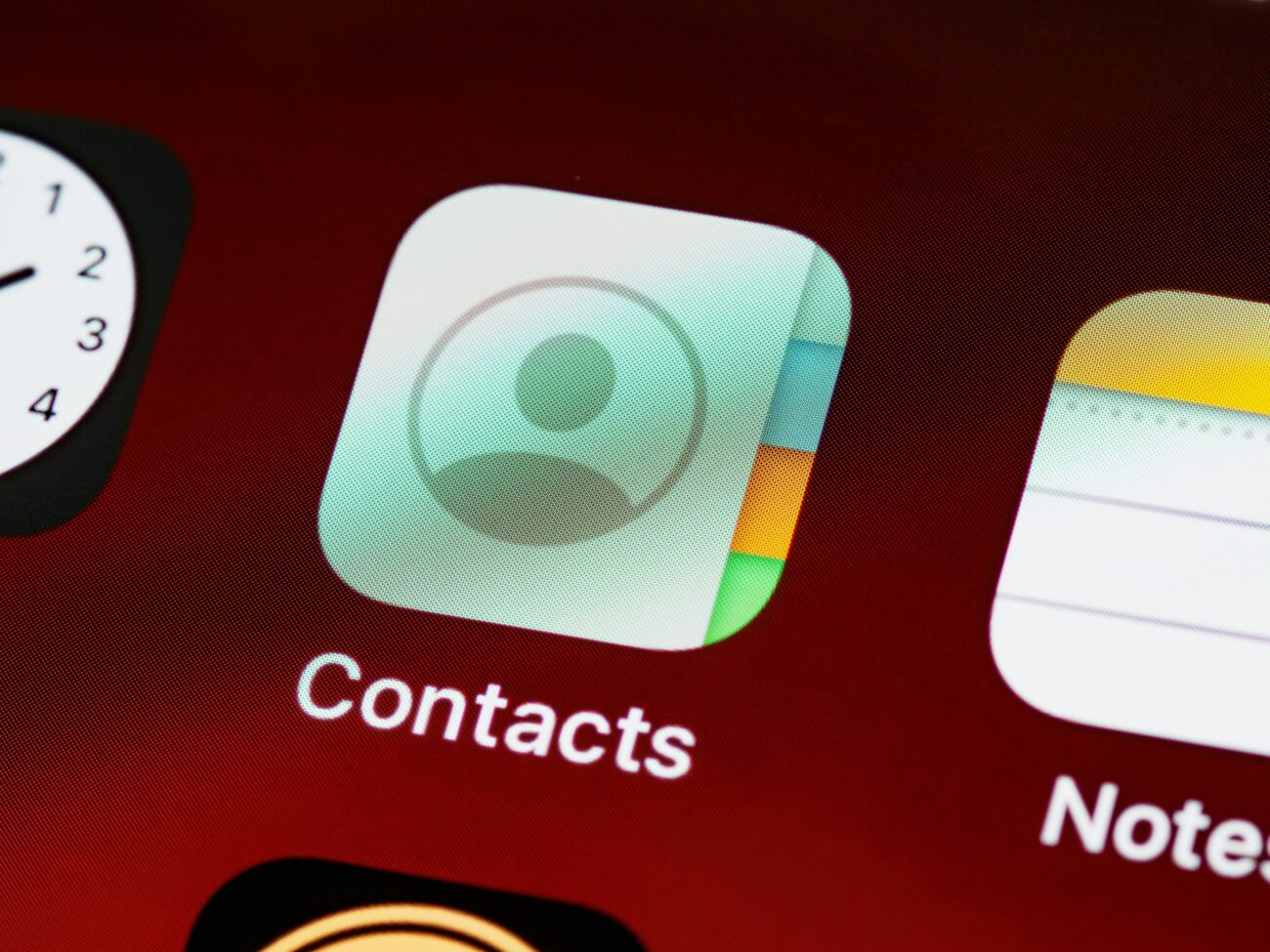 How to Remove Duplicate Contacts on Android and iOS