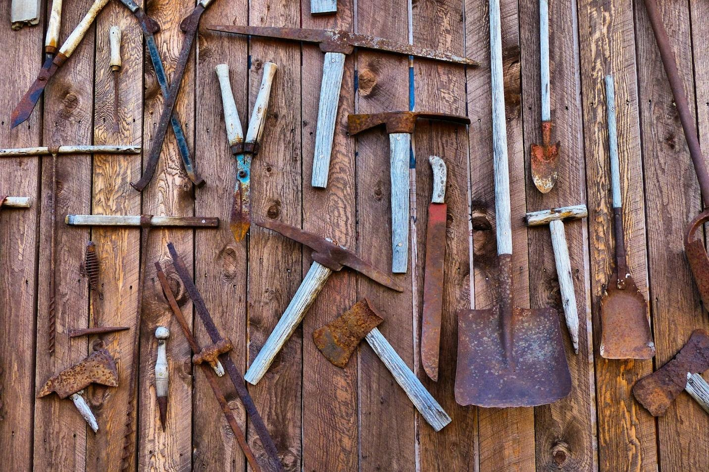 How to Clean Rust off Your Tools in 3 Ways